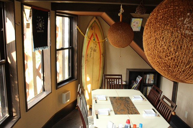 向島店 テーブル席2(半個室)